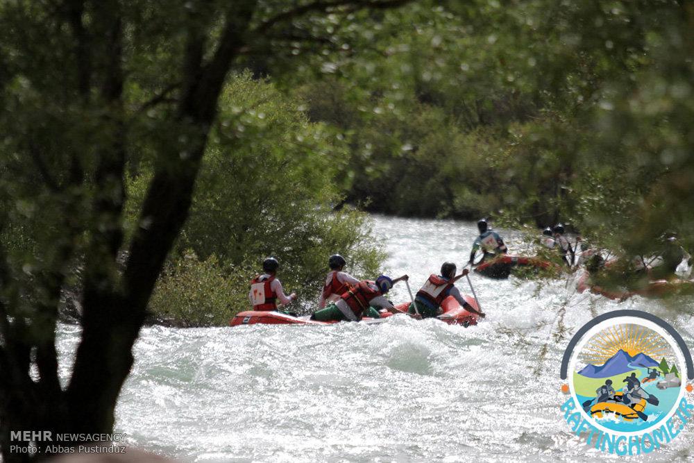 مسابقات رفتینگ در رودخانه زاینده رود