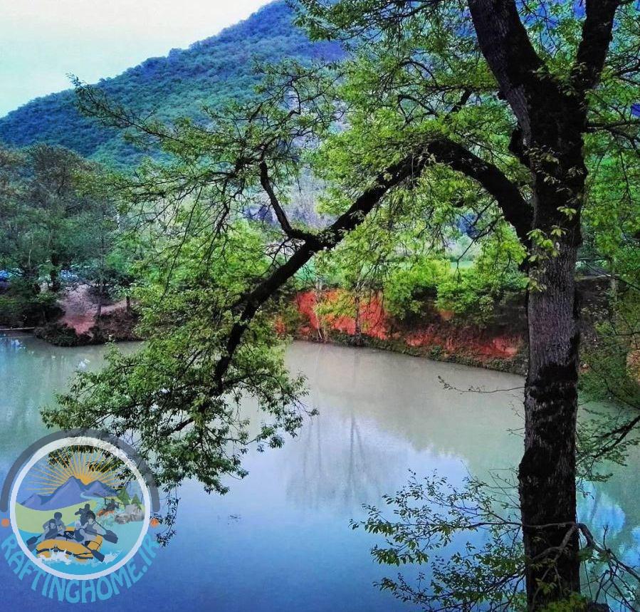 دریاچه گل رامیان و طبیعت زیبای ان